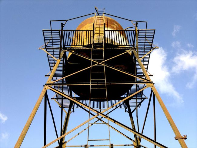 16/7/1969 <Hello Houston, Eagle has landed ! > Nokia N8-00 Old Water tower in Saint-Pierre-des-Corps, Loire Valley, France