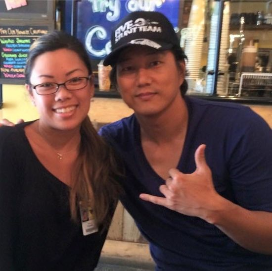 HEALTH UNITES US ALL @hiblend Actor Sung Kang AKA *Han* Fast & Furious Supportinglocal Sungkang #han Hawaii50 HawaiifiveO Fastandfurious Hiblend Sourcing Local, Non GMO, All Natural & Organic Ingredients Celebrity Celebritysupport Celebritysighting