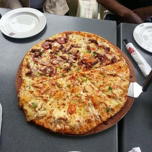 Dayuuuuum! *_* Monstorito Duo Periperisteak Chickenmayo panarotti pizza love