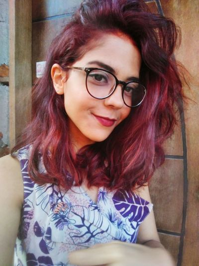 Portrait Young Women Eyeglasses  Horn Rimmed Glasses Beautiful Woman Women Dyed Hair Looking At Camera Red Headshot