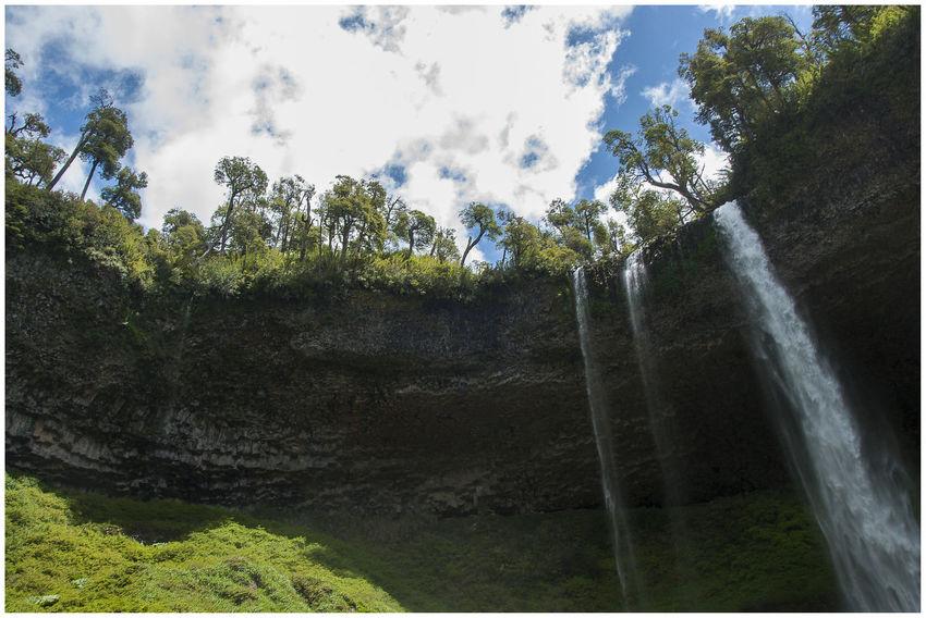 Ubicada entre los limites de chile y Argentina se encuentra esta Maravillosa Cascada de 30 mts Aprox. Beauty In Nature Cascada Santa Ana , Limite Entre Argentina Y Chile Day Nature Tree Water Waterfall_collection Waterfalls