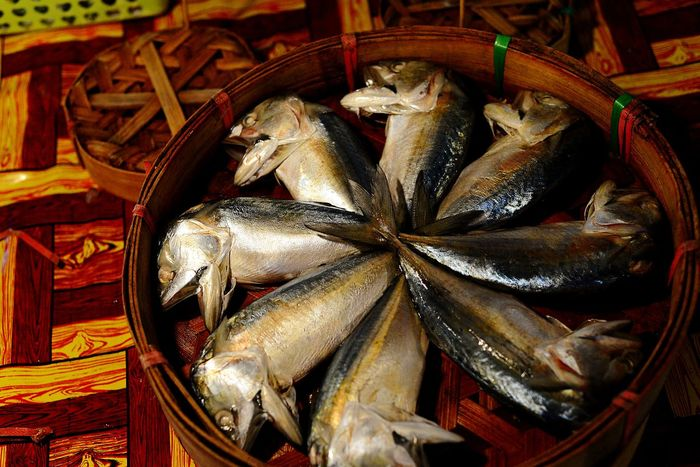 Fish Seafood Close-up Healthy Eating Freshness Food Basket Mackerel In Bamboo Basket Mackerel Fish Mackerel Day Freshness Business Finance And Industry Food And Drink No People Seafood Market Food Stories Adventures In The City