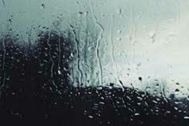 I really love Rain...and i love Kisses under the rain❤