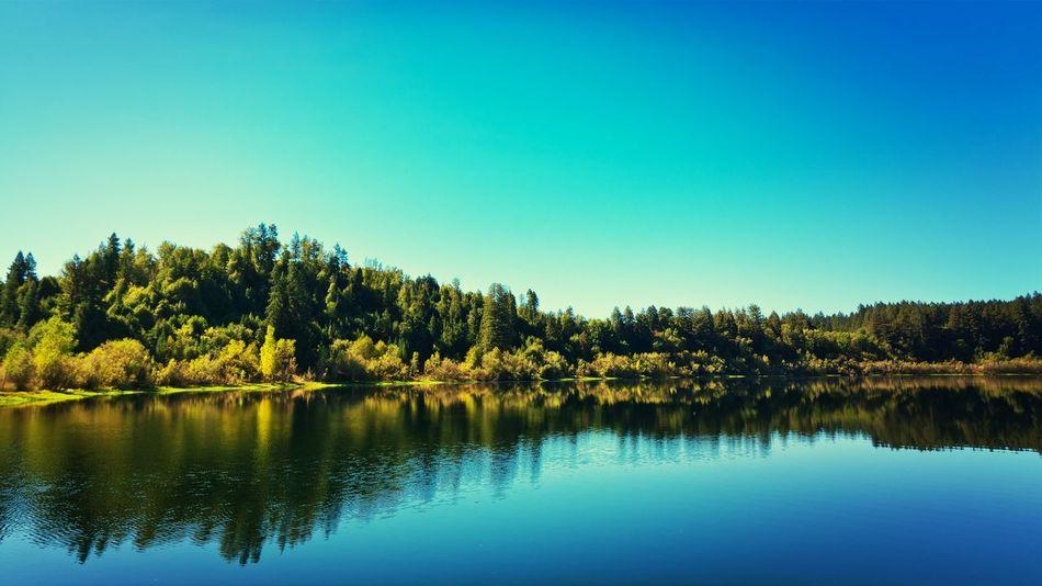 Lake Benoist in Healdsburg, California. Sonomacounty Lake View California Canon