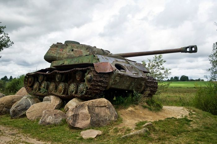 Soviet Tank Armored Tank Army Camouflage Clothing Cannon Cloud - Sky Day Field Grass History Military Museum Nature No People Outdoors Sky Tank War Weapon