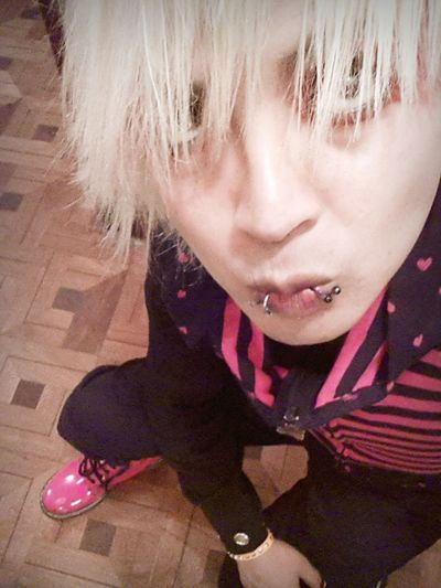 After Halloweenparty Vamps Bolivia im so tired but im cute :3 Vkstyle Crowshiro Visualkei