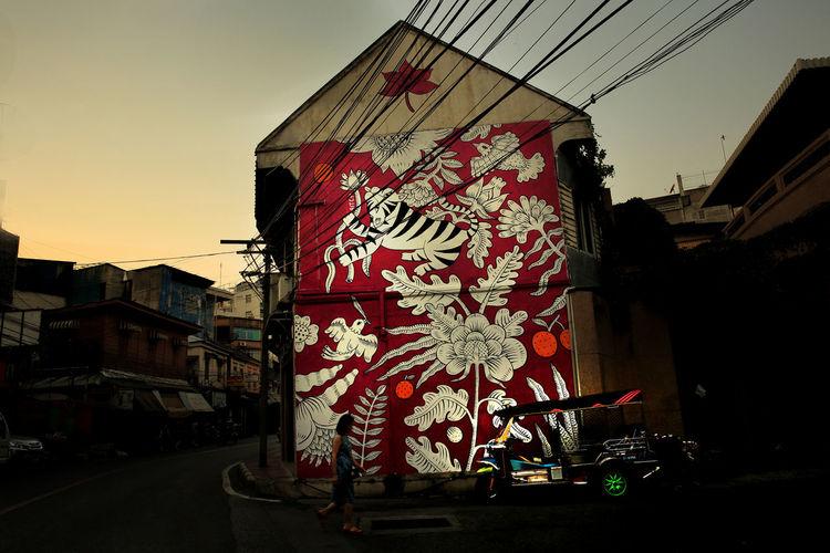 BukRuk, Street Art in Bangkok with the Tuk Tuk Building Exterior Buk Ruk City Mode Of Transport Spotted In Thailand Street Streetart Streetphotography Transportation Tuk Tuk Tuk Tuk In Bangkok
