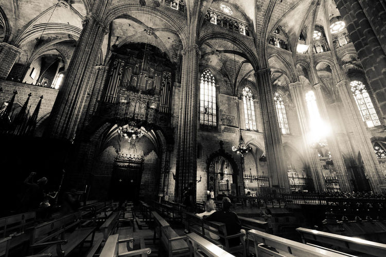 Balcelona Church Divine Light  Light Old Church Shine SPAIN Temple Of Confucius Travel Photography Traveling Architecture