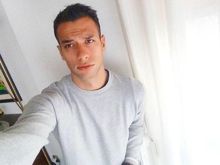 Con i regali..ho chiuso! 🎁Buongiorno Rotto Natale  Bari Puglia Italy Vscocam VSCO Selfies Selfie Smiling Smile Tired Sad Travel Traveller World People Guy
