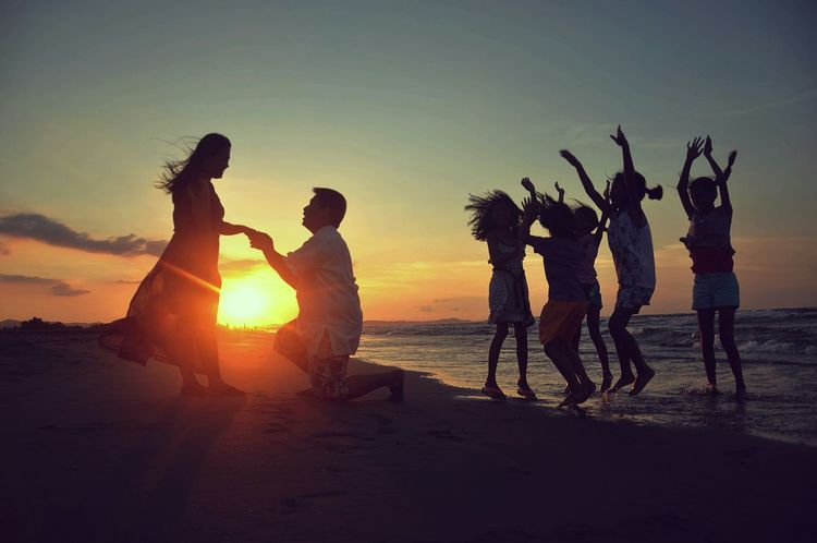 Love Is In The Air Sunset Silhouettes Lovelovelove Lovers Love❤