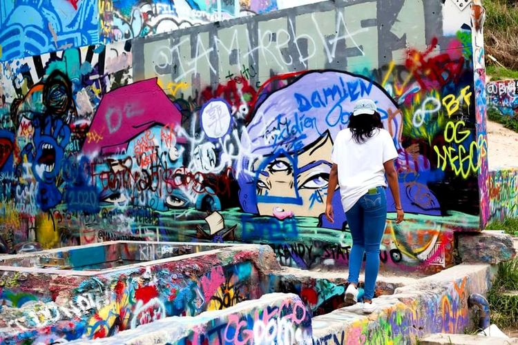 Graffiti Street Art Multi Colored Art And Craft Creativity Lifestyles Spraying Spray Paint Artist Leisure Activity Outdoors Drawing - Art Product Day People Adults Only Adult Enjoying Life Chill Photography Themes Austin Texas Grafitti Park Travel Destinations Texas Grafitti Wall Photography The Street Photographer - 2017 EyeEm Awards The Portraitist - 2017 EyeEm Awards Live For The Story