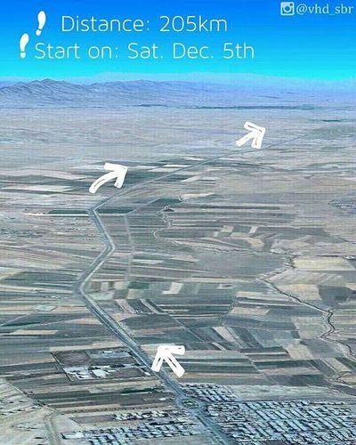▫ فردا صب شروع یه سفر متفاوته برام، یه سفر با پای_پیاده از شهرمون شیروان تا مشهد که شش روز طول می کشه و ان شاءالله اگه مشکلی پیش نیاد شب_شهادت_امام_رضا قراره برسیم مشهد 😊 دعاگوی همه تون هستم :) . یک - یه عالمه راهه 😒 تقریبا۲۰۵ کیلومتر 😓 امیدوارم فردا نگم عجب غلطی کردم 😅 دو - اینکه سفرکربلا نصیبم نشد، و اینجا شد خود حاوی نکاتی است که خودم ازش مطلعم :) مثلن اینکه خب اینجا زیاد تحویلت نمیگیرن دیگه... گرفتی که؟ 😒 سه - سعی میکنم از گوشه کنار سفر قسمت هاییش رو به زیبایی براتون بیان کنم 😊 چهار - از هرگونه پیشنهاد جهت درمان دردپا (😖)، تاول(😓) و بقیه امراض استقبال میکنم. پنج - تا چند روز شاید عکسام خیلی هنری نباشه 😀 ببخشید دیگه کاروان_پیاده_روی_به_مشهد مشهد_منتظر_ماست_بیا_تا_برویم :) خدا_کنه_لایق_باشم 😔 ⚪ تصویر: خروجی شهر شیروان و جاده به سمت مشهد از گوگل_ارث اربعین پیاده_روی کاروان امام_رضا از_خانه_تاحرم شیروان فاروج قوچان چناران گلبهار مشهد
