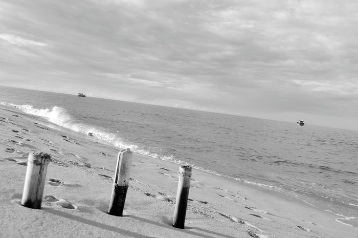 Beach Sea Nature Beauty In Nature No People Sand Water Horizon Over Water Day Outdoors Sky The Photojournalist - 2017 EyeEm Awards Vietnam Blackandwhite Quang Ngai Its Me Girl Lodvieliz Black And White Friday