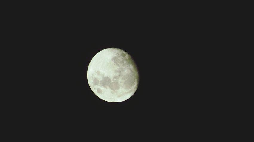 Moon child beautiful child with your wonderlust driving you further and further. Moonlight La Luna La Luna Timida Se Muestra... Pues No Confia De La Luz... Hope Confidence  Elegance Everywhere