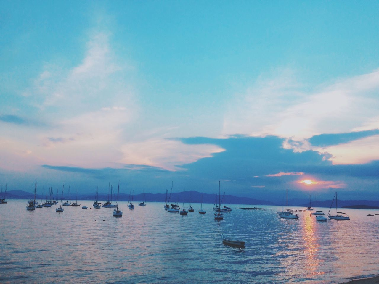 water, sea, sky, beauty in nature, nautical vessel, nature, scenics, cloud - sky, outdoors, waterfront, tranquility, sunset, transportation, tranquil scene, no people, moored, day, jet boat