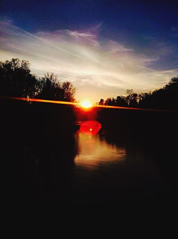 Awesome Amazing View Nature Sunset Sunrise Sunshine Water Reflections River Happiness Silhouette