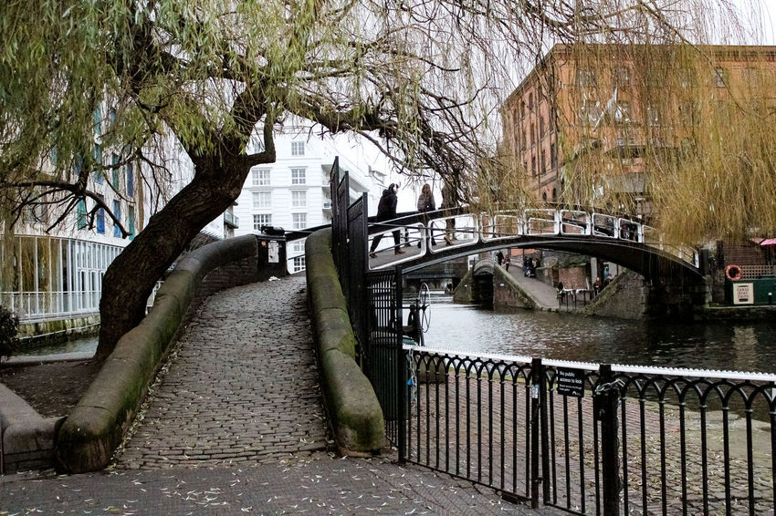 EyeEmNewHere Travel Tourist Destination Winter Travel Destinations Inglaterra London Sky Day City Life Building Regentscanal Londres City Candemlock Canonphotography Visual Creativity Building Exterior Bridge Architecture Nature Plant Tree Outdoors Street Adventures In The City