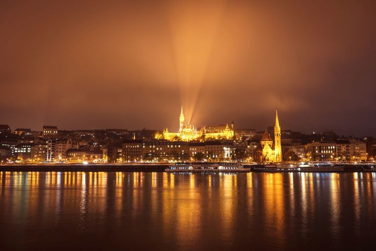 Cityscape Citylights River Riverside Reflections In The Water Buda Budacastle Buda Castle Night Nightphotography Night Lights Cloudy Cloudy Sky Beam Beams Of Light Beam Of Light Politics And Government City Water Illuminated Urban Skyline Sky Architecture Built Structure Building Exterior Lightning Riverbank