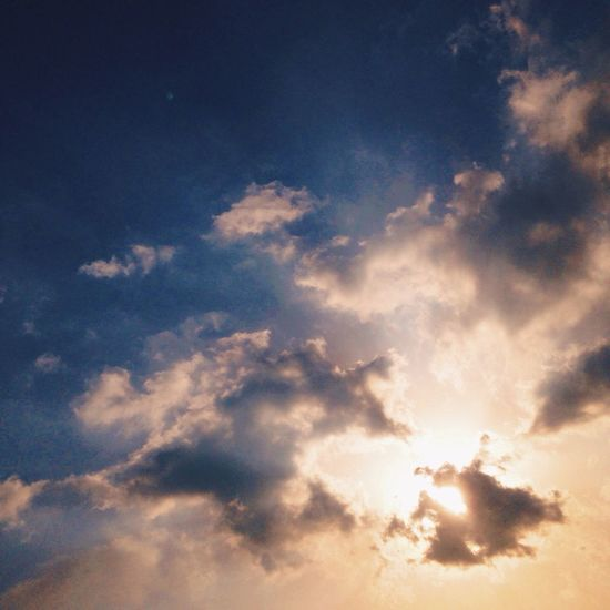 天邊的雲彩讓陽光溫暖 First Eyeem Photo
