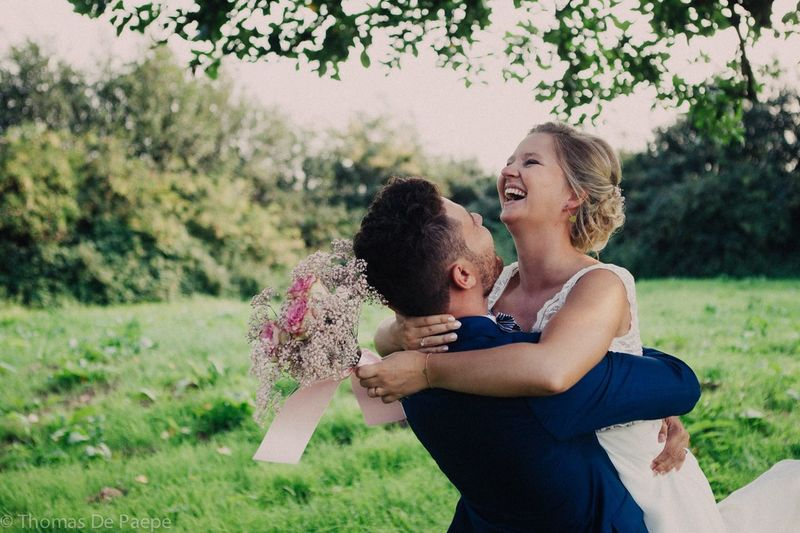 Wedding Wedding Photography Affectionate Bonding Care Day Embracing Family Focus On Foreground Grass Happiness Kissing Leisure Activity Lifestyles Love Nature Outdoors Real People Smiling Togetherness Wedding Day Wedding Dress Young Adult Young Women