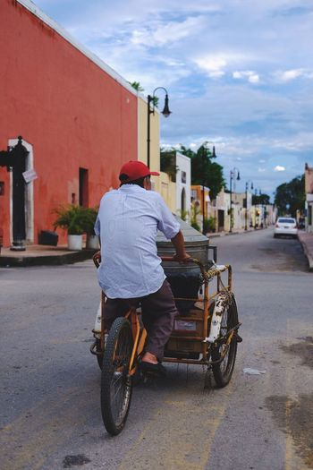 Rollin' Street Men Mode Of Transport Real People Streetphotography Urbanphotography Streetphotographer Street Photography Urbanphotography EyeEm Best Shots NewEyeEmPhotograph Streetphotography Street Life Capture The Moment Streetphoto_color Travel Photography Fujifilm_xseries TheWeekOnEyeEM FUJIFILM X-T2 Fujifilm Fuji EyeEmNewHere Mexico Colors Portrait Portrait Photography The Traveler - 2018 EyeEm Awards