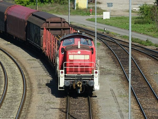 Güterzug Railroad Track Rail Transportation Transportation Train - Vehicle Day Outdoors No People Locomotive Zug Railroad Railroad Love Railroad Photography Railroadphotography Güterzüge Transportation Industrial Landscapes Perspectives And Dimensions Wanderlust Industriegüter Industrie Perspective Perspective Photography
