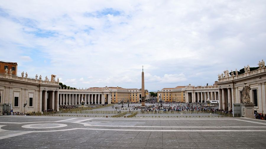 St peter square against sky