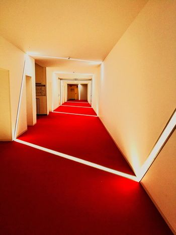 Beleuchtung Red Luxury Hotel Luxury Architecture Built Structure Passageway Corridor Entry Entryway Entrance Entrance Hall Passage EyeEmNewHere