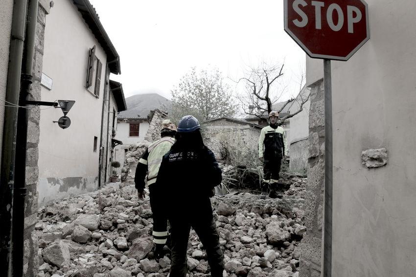 Campana Campanile Case Chiese Edifici Norcia Norcia 2016 Terremoto Terremoto Centro Italia Vigili Vigili Del Fuoco  VigiliDelFuoco
