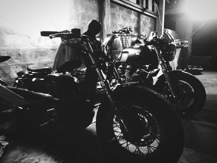 bobber cafe Motercycle Bobber Style Caferacer Haley Davidson Honda Shadow Black And White Black & White Blackandwhite