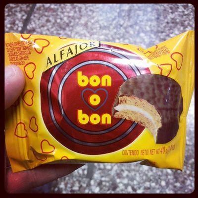 Cuando hay Amor hay Bonobon jijiji... esperando a @niiconax en @Metrodesantiago Losheroes