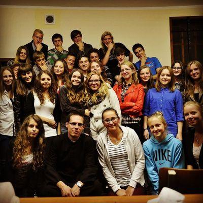 A lot of people! Goodbye! I miss u so much priest! :)))) Hello World Beauty Selfie Portrait People