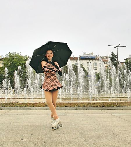 Skating in the rain - urban photo session