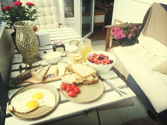 Breakfast for selflovers.