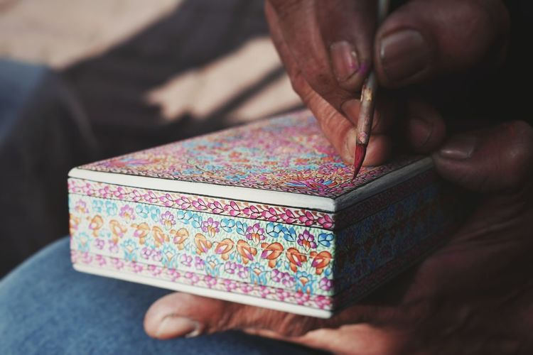 The Kashmiri box Craftsmanship  Crafts Colors Art Painting Trunket Boxes