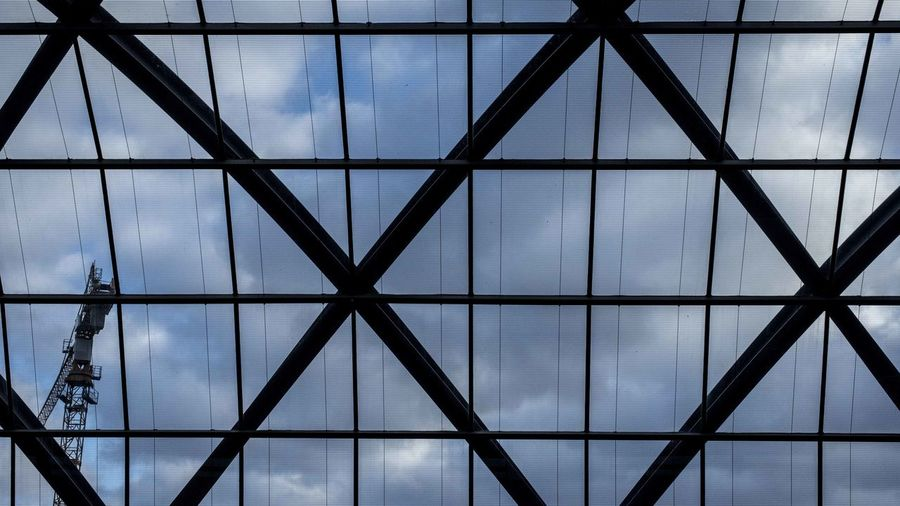 Marcweberde Built Structure Pattern Architecture Full Frame Window Cloud - Sky Glass - Material Sky No People Transparent Shape Indoors  Metal Backgrounds Geometric Shape Design Ceiling Skylight Reflection Nature Modern
