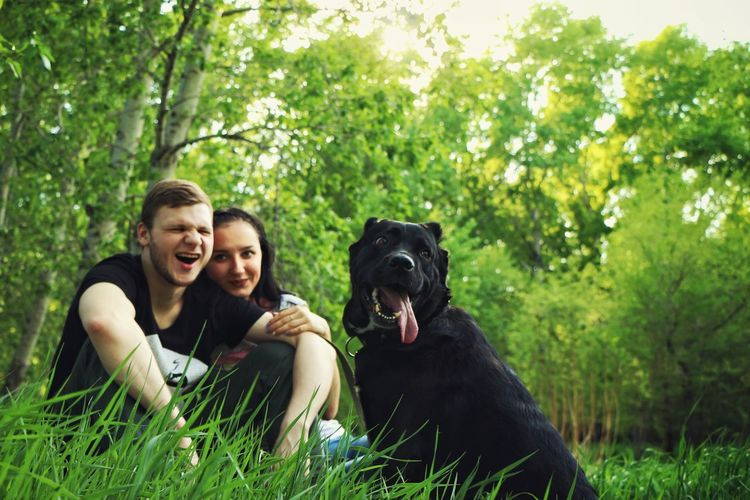 Dog Togetherness Smiling Pets Friendship Happiness Two People Fun People Toothy Smile Women Streetphotography Love Romance Real Life Lifestyles Real People
