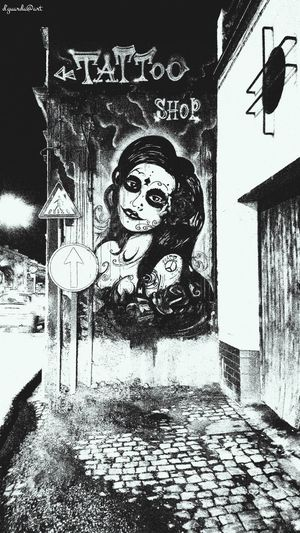 B&W Urban Art -