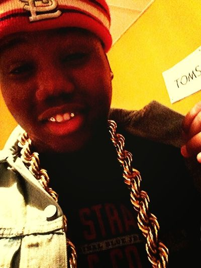 One Gold Chain 2 Golds Thangs No Danm Rangs Lol