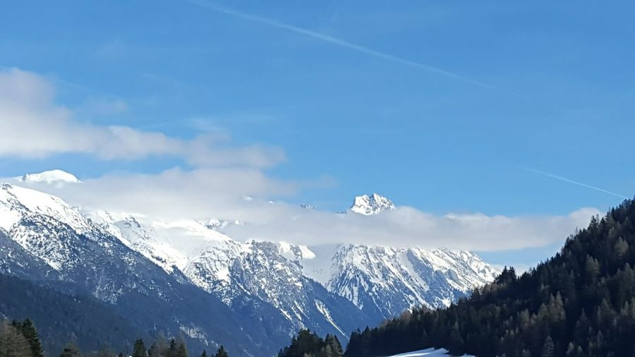 Clouds And Sky Mountain View Mountain_collection Sankt Anton Am Arlberg Alpesmountain Alpenpanorama Winter_collection Winter Sky Hello World Winter Holidays Skiing In Austria 👌 Mountains And Sky Catching The Moment Moutain View AlpsMountain
