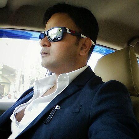 Selfie Posing Happy Office Rajeevkumar August28inc Onthewaytooffice Trafficsignal Randompic