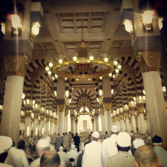 Islamic Islam Pray Saudiaarabia Islamic Architecture ISLAM♥ Muslim Prayer Pray Time Masjed Alrasoul Almadinah Almadina Almonawara Islamic Design Interior Design