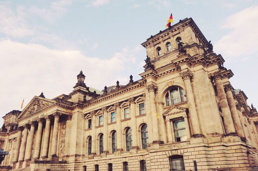 Reichstag! Architecture Architecture Built Structure Building Exterior Sky Low Angle View Outdoors The Street Photographer - 2017 EyeEm Awards The Great Outdoors - 2017 EyeEm Awards The Architect - 2017 EyeEm Awards The Photojournalist - 2017 EyeEm Awards