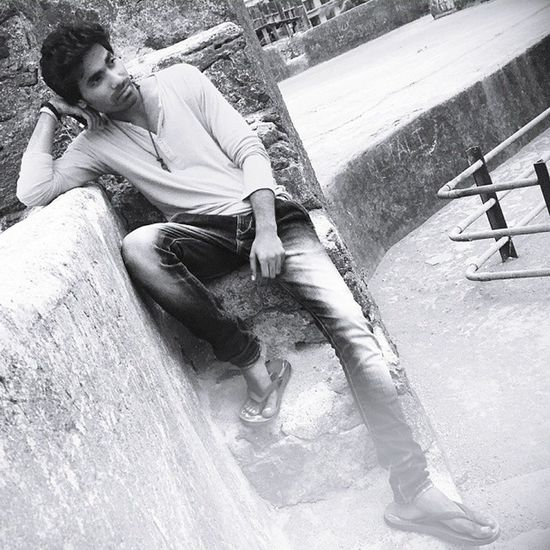 Robinraj Blackandwhite HDR Photoposeformen Mrrob MrRobPhotography Pose Style Mobileclick Photography Photoshoot Mensstyle