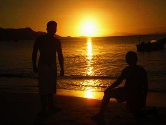 Siluetas {TBT  } ------------------------------- Vscocamvenezuela Vscocam VSCO Vscogood Instagramers Instalike Igaddict Igers IG_Venezuela Venezuelaforum Venezuela_capture Venezuela Sunsetlovers Sunset Landscape Lfl Tag4likes 1atardecervenezolano Atardecervenezolano Ocaso Hallazgosemanal Huntgram