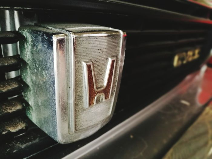CAR LOGO 62 Old-fashioned Metal Retro Styled Close-up No People Antique Music Indoors  Technology Day Car Logo Car Logos Love To Take Photos ❤ Honda