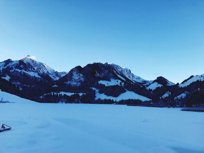 Snow Winter Cold Temperature Mountain Weather Copy Space Snowcapped Mountain Blue Scenics Tranquil Scene Beauty In Nature Mountain Range Nature Tranquility Idyllic Clear Sky Landscape Day Outdoors No People -17'C