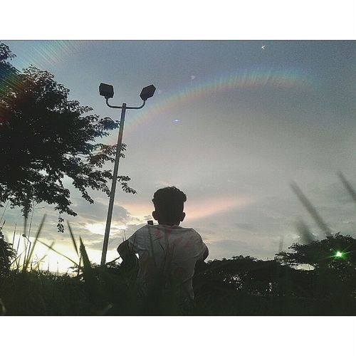 Turmbrl Luces Estrellas ★★★★★ Silhouette One Man Only Adult Cloud - Sky Only Men One Person Spraying Real People Men Tree People Sky Day Adults Only Outdoors Water MedioAmbienteNoSirve Ambiente EyeEmNewHere Flor Medioambiente Monte Be. Ready.