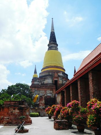 Architecture Boarder Water Rear View Spirituality Travel Outdoors Chiang RaiThailand ✈ Tree People Hands Religion Young Adult Tourism City History Travel Destinations Architecture Business Finance And Industry Sky Day No People Ayutthaya | Thailand