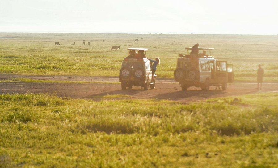 The life of a traveller, is there anything more inspiring. This was taken in the middle of the Serengeti. Sunlight Field Outdoors People Tourist Travel Tourism Africa Serenity Game Drive Exploring In The Wild ExploreEverything Travelphotography Travelbug Travel Bloggers Four Wheeling Adventures Adventure Time Nature_collection Sunset Grasslands National Park Beauty In Nature Beautiful Sunset EyeEmNewHere
